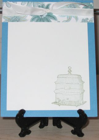 FFF Notecard on stand white light